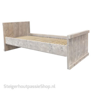 Steigerhouten Bed Lotte
